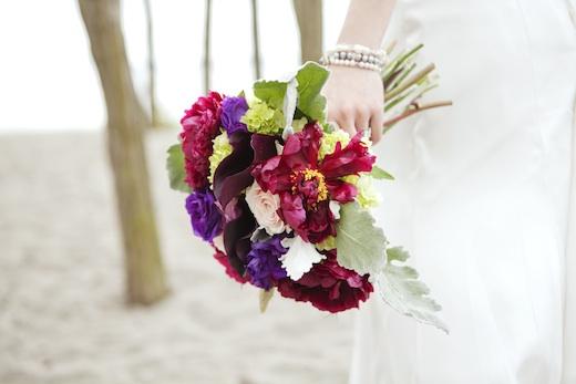 bride bouquet at Golden Gardens