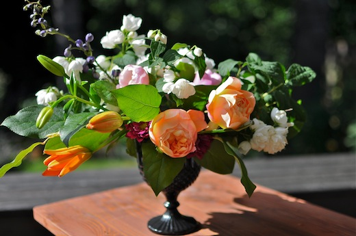 garden rose arrangement by Finch & Thistle Event Design