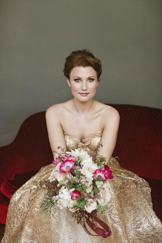 finch.thistle.dress.theory.julie.harmsen.wedding.flowers
