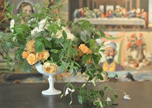 artichoke, orange garden roses, white garden roses, seattle wedding flowers, seattle event designer