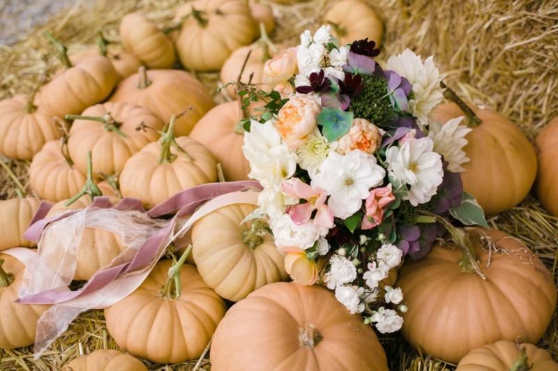 Finch & Thistle fall bridal bouquet pumpkin patch