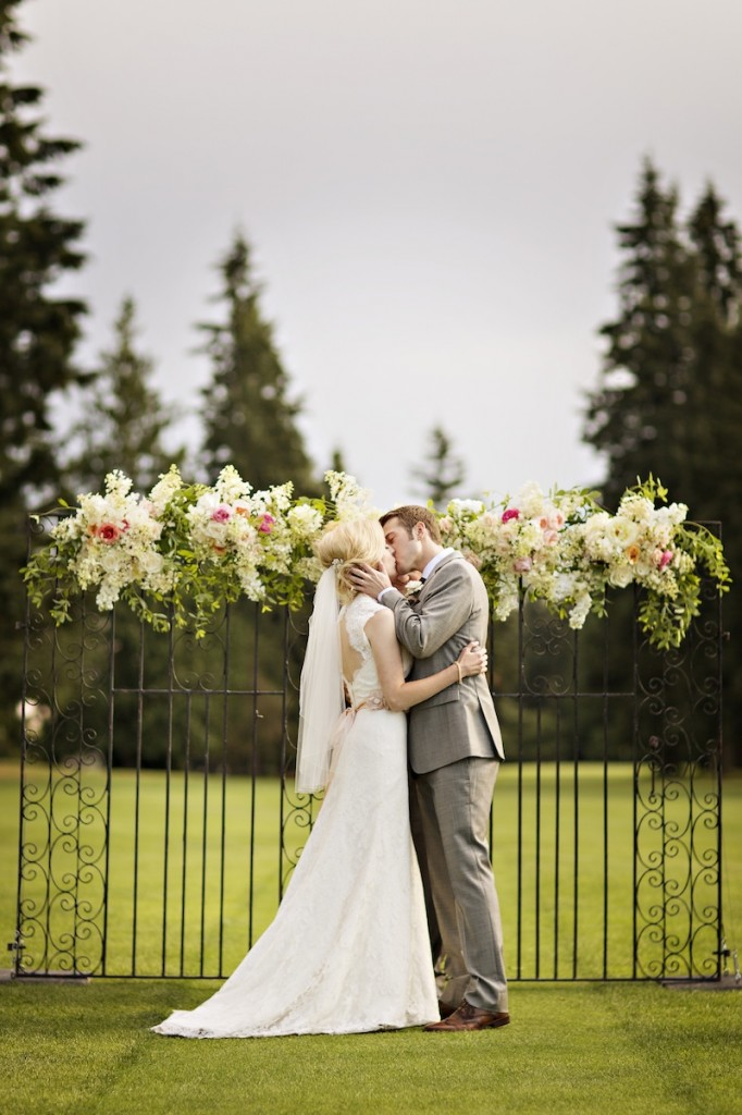 finch and thistle, seattle event designer, floral design, blush, gold, ceremony backdrop
