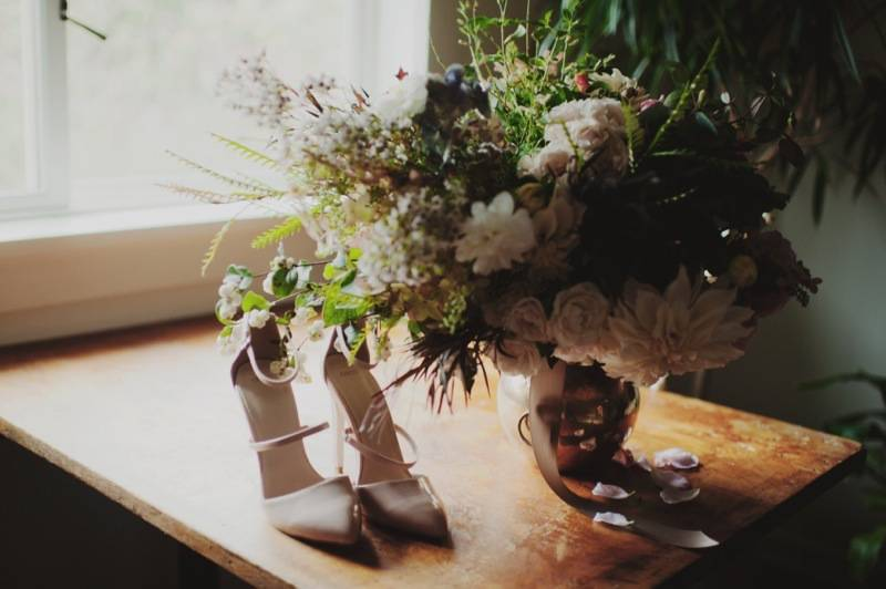 finch_thistle_KristenMariePhotography_Fall_Elopement15