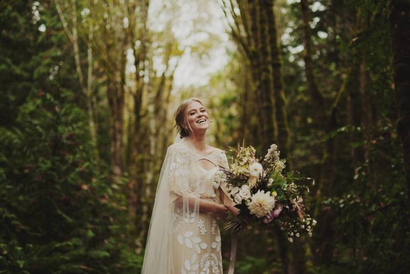 finch_thistle_KristenMariePhotography_Fall_Elopement32